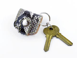 ウォレットキーホルダー オールパイソン(縫い糸ナチュラル)内側ナチュラル