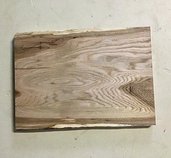 トチ板 H390 W280 D25