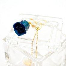 薔薇の蕾ネックレス・ブルー(藍色)