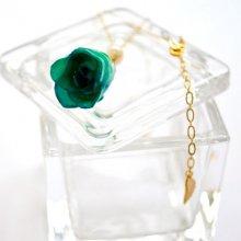 薔薇の蕾ネックレス・グリーン(緑青)