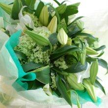 お供えの花束・お悔やみの花