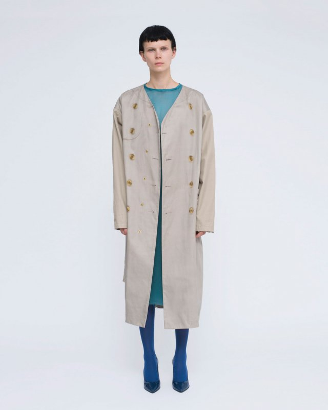 trompe l'oeil collarless coat