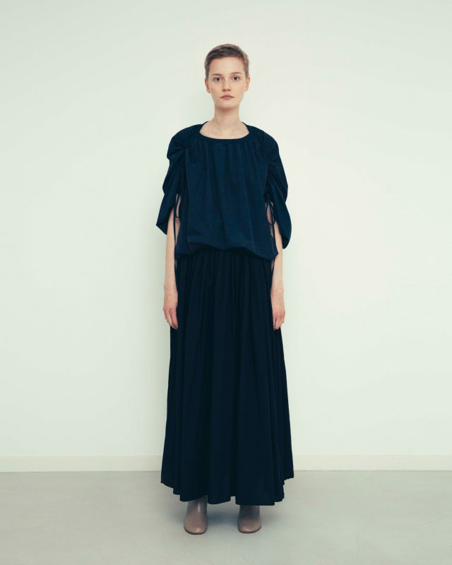 Compact lawn gather maxi skirt