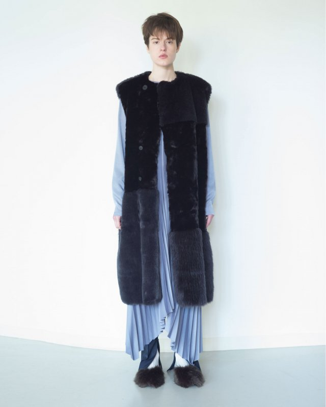 Mix eco fur sleeveless coat