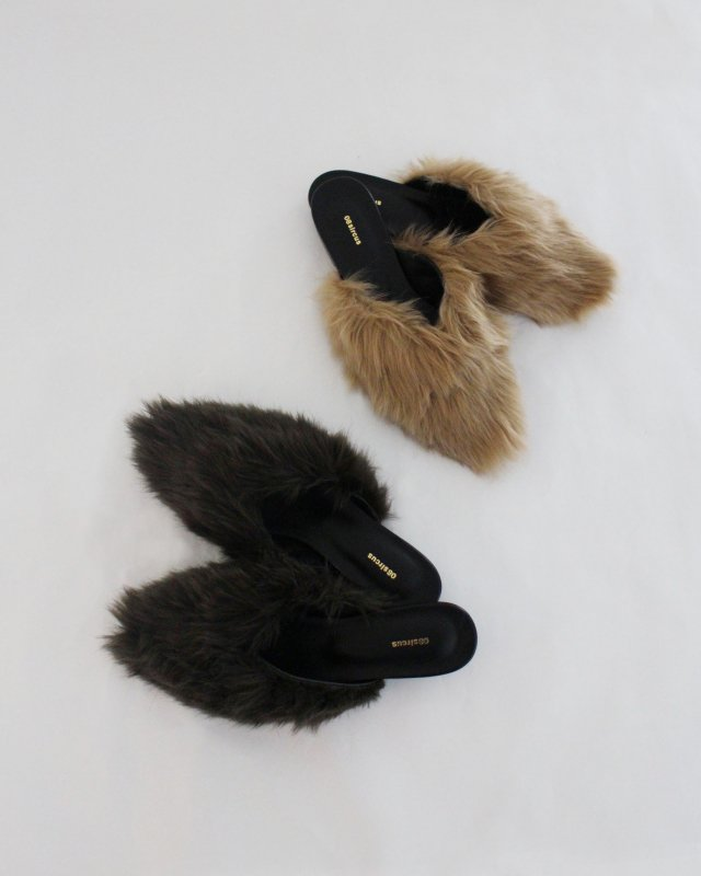 Eco fur pointed toe mule