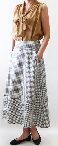 裾切り替えフレアスカート