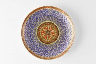 [ベンジャロン焼(タイ)]<br>手描き模様の7寸皿<br>(ふんだんに使われた金彩 花のモチーフ 紫色ベース)