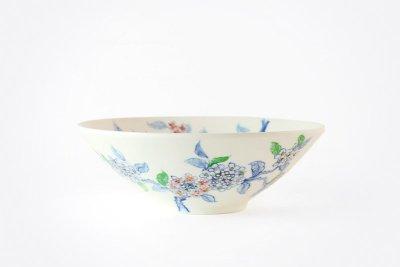 【再入荷】[バッチャン焼(ベトナム)]<br>手塗の花が映える大鉢