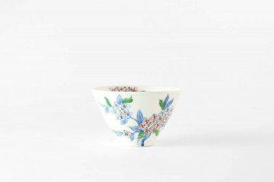 【再入荷】[バッチャン焼(ベトナム)]<br>手塗の花が映えるフリーカップ(アジサイ)