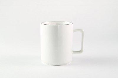 [白いテーブルウェア]<br>ラインマグ ブラック