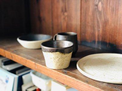 [土の実クラフト]<br>大きな丸皿 サークルプレート(白化粧)