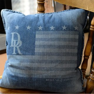 CUSHION FLAG