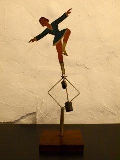 Balancing toy (ヤジロベエ)スケーター