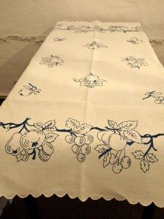 ハンガリー刺繍テーブルクロス
