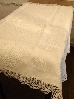 イーラーショシュ刺繍テーブルクロス