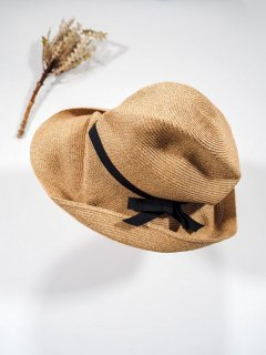 mature ha.  BOXED HAT 11�BRIM