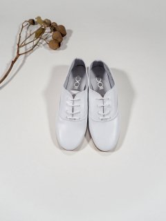 <img class='new_mark_img1' src='https://img.shop-pro.jp/img/new/icons34.gif' style='border:none;display:inline;margin:0px;padding:0px;width:auto;' />1001 PATTES  BALMORAL SHOES