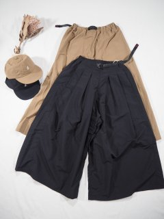 <img class='new_mark_img1' src='https://img.shop-pro.jp/img/new/icons14.gif' style='border:none;display:inline;margin:0px;padding:0px;width:auto;' />GRAMICCI  SHELL TUCK FLARE PANTS