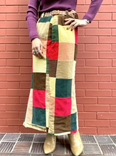 <img class='new_mark_img1' src='//img.shop-pro.jp/img/new/icons14.gif' style='border:none;display:inline;margin:0px;padding:0px;width:auto;' />【CORDUROY PATCHWORK SKIRT】