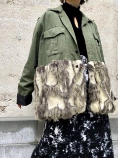 <img class='new_mark_img1' src='//img.shop-pro.jp/img/new/icons14.gif' style='border:none;display:inline;margin:0px;padding:0px;width:auto;' />【FAUX FUR MILITARY JACKET】