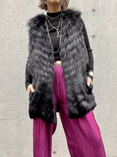 <img class='new_mark_img1' src='//img.shop-pro.jp/img/new/icons14.gif' style='border:none;display:inline;margin:0px;padding:0px;width:auto;' />【BLACK FUR VEST】