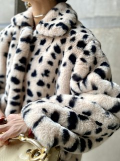 <img class='new_mark_img1' src='https://img.shop-pro.jp/img/new/icons14.gif' style='border:none;display:inline;margin:0px;padding:0px;width:auto;' />【LEOPAERD FAUX FUR COAT】