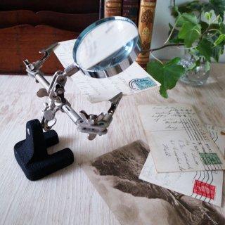 第三の手となるスタンドルーペ:Third Hand Magnifying Glass Stand