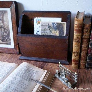 潔く、そしてどこかあたたかいレターラック/Antique Oak Letter Rack