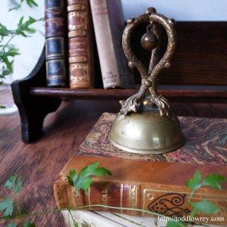 ヴィクトリアンから響く鈴の音の共演/Victorian Servant Bell