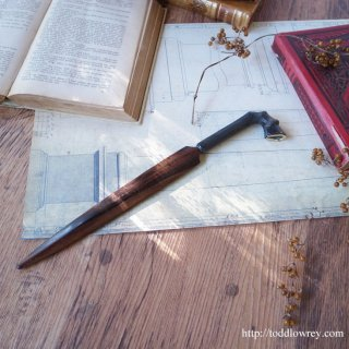薔薇の香りを纏う運命の担い手 / Vintage Rosewood Letter Opener with Horn Hoof Foot Handle