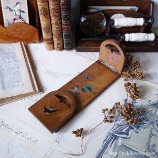 幸運の鳥が舞う湖畔の街のブックスタンド/Antique Book Stand