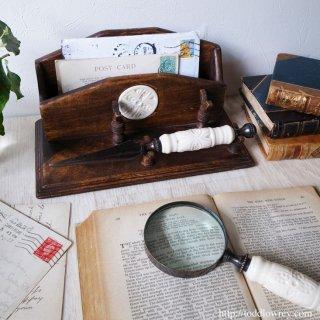 護り続ける意匠、使い続ける意味 / Antique Desk Set