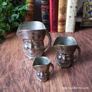 大酒呑みトビーの三乗 /Vintage Charming Trio of Graduated Toby Jugs