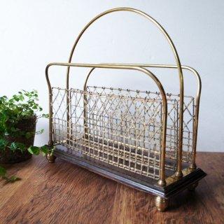 透ける雑誌立てはアンティーク・モダン / Edwardian Oak Based Brass Magazine Rack