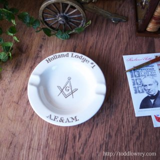 直角定規は道徳・コンパスは真理 / Vintage Ash Tray of Freemasonry Holland Lodge #1