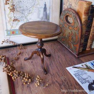 凝縮された英国伝統家具の美  /Antique Miniature Tripod Table