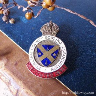 王冠を掲げたブルーのシールド / Vintage Enamel Badge of Bowling Club