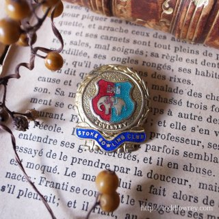 象が支える城の街 / Vintage Enamel Badge of Bowling Club