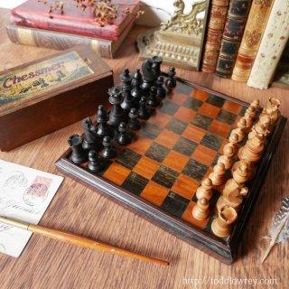 海の様に広く、井戸の様に深く /  Antique Chessmen & Draughts Board