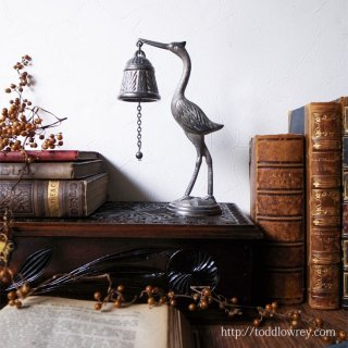 勇気と献身の鳥から響く音色 / Antique Victorian Table Bell
