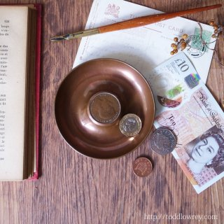 ペニーをみつけて幸運を掴もう /Antique Coin Dish with One Penny Coin King Georgre� 1921