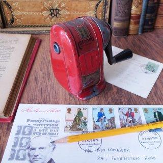 郷愁を誘うデスクツール / Vintage Pencil Sharpner VELOS No.3400 SOLD BY J.C.KING LIMITED