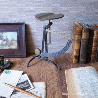 オーディンの森で生まれたインダストリアル /Antique Postal Balance Pendulum Scale