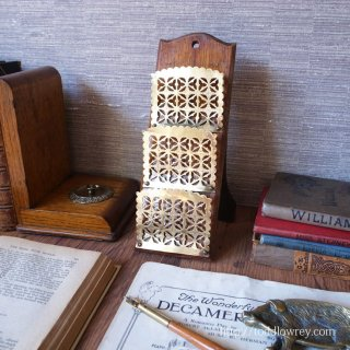 必要は発明の母 / Antique Stand Letter Rack