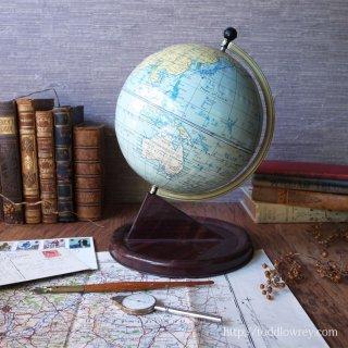 冷たく熱いデスクトップの道標 / Antique CHAD VALLEY World Globe