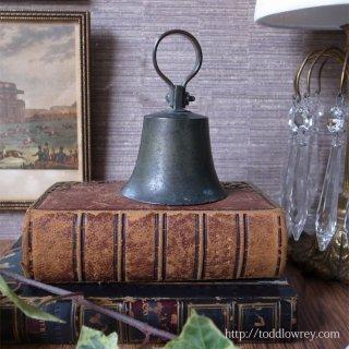 優し気な響きをもつ硬派なベル / Antique Bell