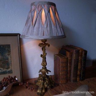 明かりを灯す芸術作品 / Antique Brass Table Lamp & Shade