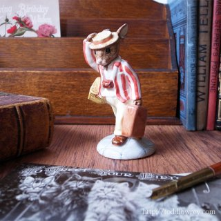 お父さんウサギ、急ぎ足でどこ行くの / Vintage Royal Doulton