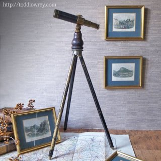ヴィクトリアンの望遠鏡から覗く楽園 / Antique Davis Derby Brass Telescope with Tripod Stand