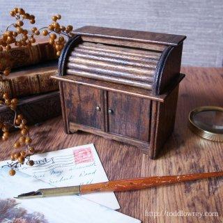 今日もロールトップを開いて貯金にはげもう / Antique Miniature Rolltop Desk Money Bank